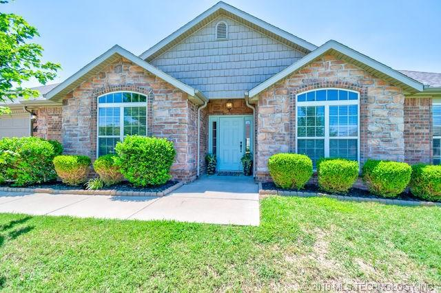 5619 Ashbrook Drive, Bartlesville, OK 74006 (MLS #1925371) :: Hopper Group at RE/MAX Results