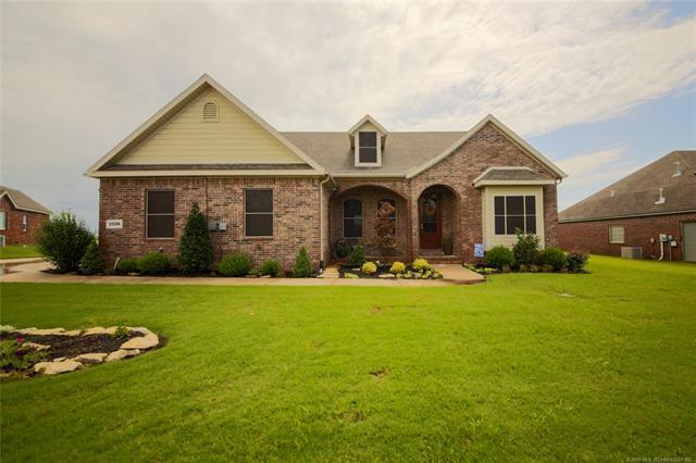 2506 Waterford Court, Bartlesville, OK 74006 (MLS #1925558) :: Hopper Group at RE/MAX Results