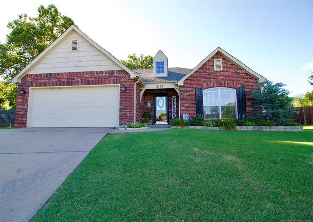 2109 W D. Court, Jenks, OK 74037 (MLS #1925633) :: Hopper Group at RE/MAX Results
