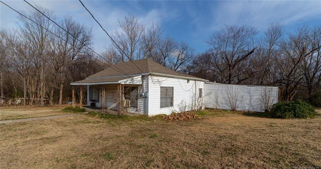 103 N 3rd Street, Hartshorne, OK 74547 (MLS #1925778) :: 918HomeTeam - KW Realty Preferred
