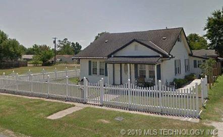 324 E Aquarium Place, Jenks, OK 74037 (MLS #1925802) :: 918HomeTeam - KW Realty Preferred