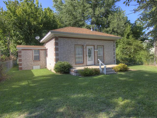 1112 W South Street, Collinsville, OK 74021 (MLS #1926051) :: Hopper Group at RE/MAX Results