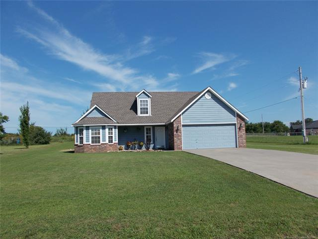 12045 Valley Avenue, Collinsville, OK 74021 (MLS #1926061) :: Hopper Group at RE/MAX Results