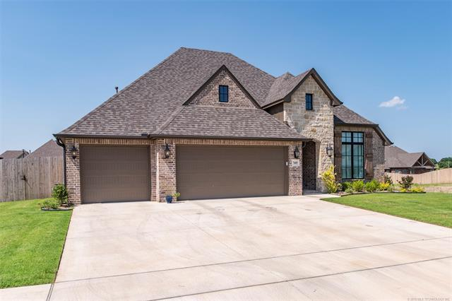 7605 E 82nd Street N, Owasso, OK 74055 (MLS #1926407) :: Hopper Group at RE/MAX Results