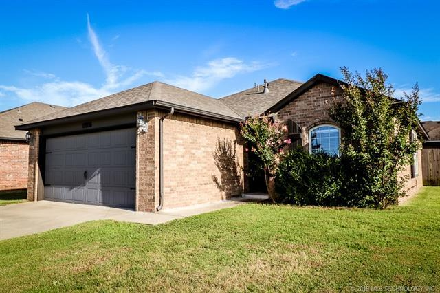 12956 E 133rd Street N, Collinsville, OK 74021 (MLS #1926430) :: Hopper Group at RE/MAX Results