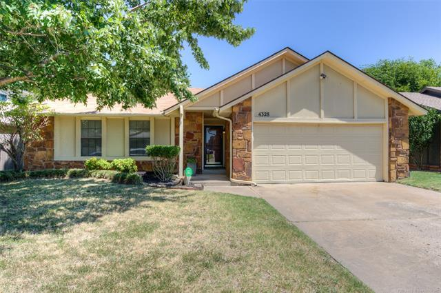 4328 W Uniontown Street, Broken Arrow, OK 74012 (MLS #1926444) :: Hopper Group at RE/MAX Results
