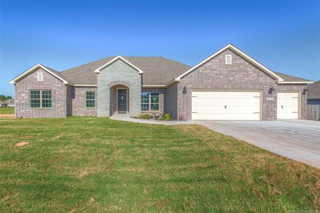 13544 S 236th East Avenue, Coweta, OK 74429 (MLS #1926504) :: Hopper Group at RE/MAX Results