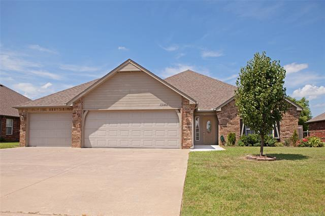 13145 E 130th Street N, Collinsville, OK 74021 (MLS #1926568) :: Hopper Group at RE/MAX Results