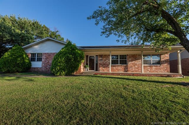 6008 E 62nd Street, Tulsa, OK 74136 (MLS #1926594) :: Hopper Group at RE/MAX Results