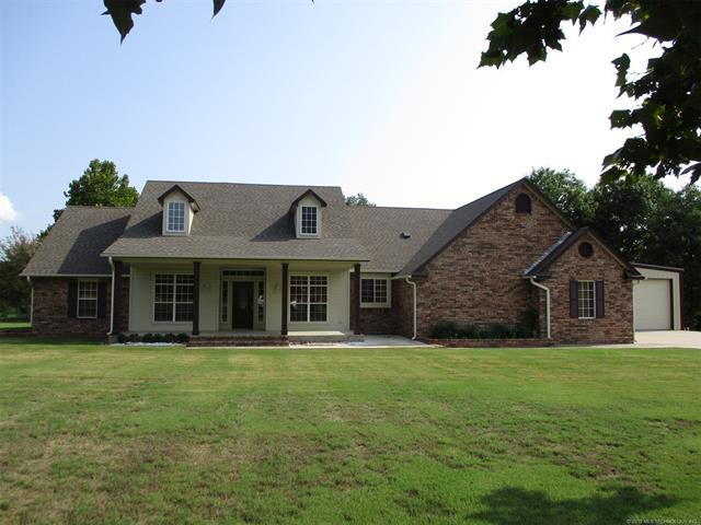 151 Mainsail Road, Stigler, OK 74462 (MLS #1926645) :: 918HomeTeam - KW Realty Preferred