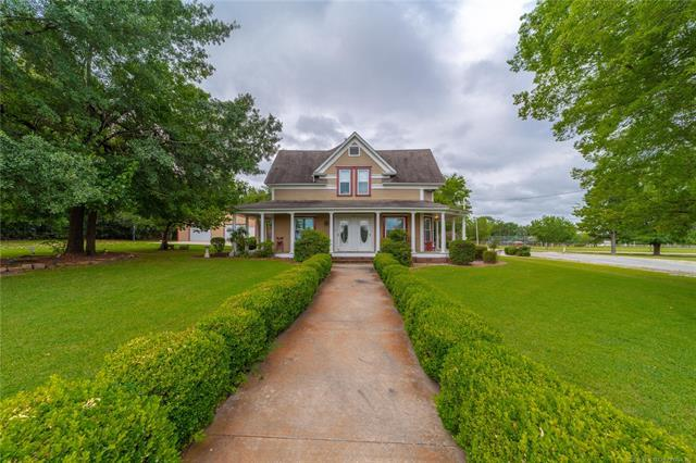 1000 Cherokee Avenue, Hartshorne, OK 74547 (MLS #1927121) :: 918HomeTeam - KW Realty Preferred