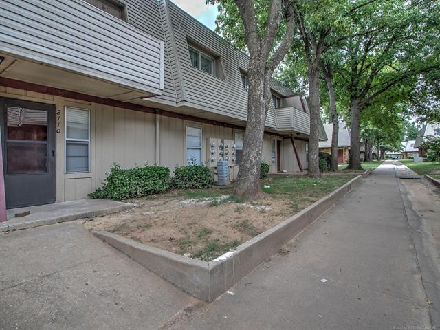 2209 E 67th Street #2110, Tulsa, OK 74136 (MLS #1927153) :: Hopper Group at RE/MAX Results
