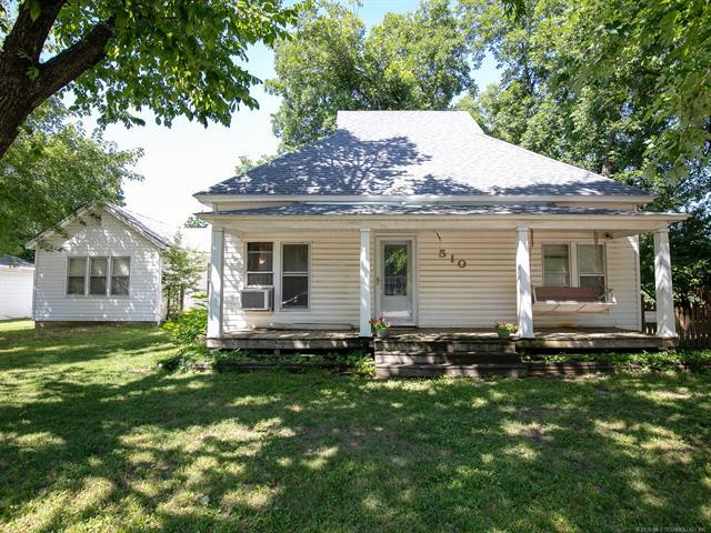 510 E 8th Street, Claremore, OK 74017 (MLS #1927205) :: Hopper Group at RE/MAX Results