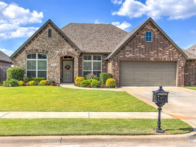 18201 E 46th Street, Tulsa, OK 74134 (MLS #1927408) :: Hopper Group at RE/MAX Results
