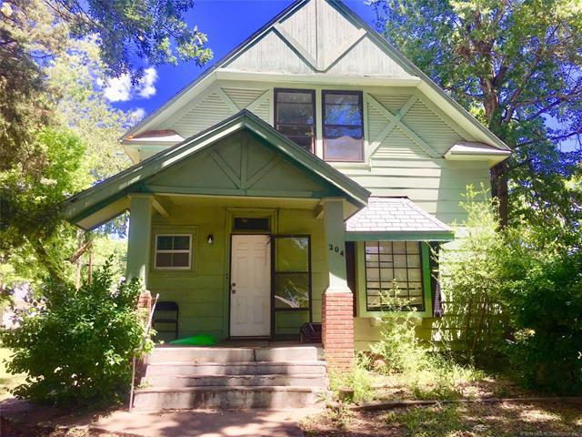 204 E 4th Street, Claremore, OK 74017 (MLS #1927456) :: Hopper Group at RE/MAX Results