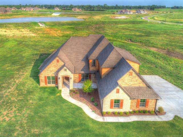 8319 N 149th East Avenue, Owasso, OK 74055 (MLS #1928195) :: Hopper Group at RE/MAX Results