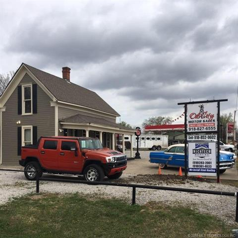 802 Commercial Avenue, Mounds, OK 74047 (MLS #1928358) :: 918HomeTeam - KW Realty Preferred