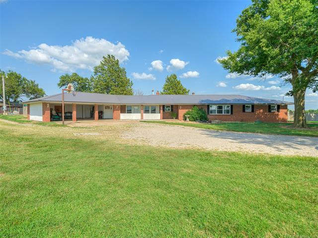10680 N 4020 Road, Wann, OK 74083 (MLS #1928368) :: 918HomeTeam - KW Realty Preferred
