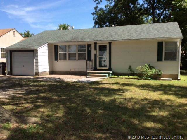 1432 S Hickory Avenue, Bartlesville, OK 74003 (MLS #1932315) :: Hopper Group at RE/MAX Results