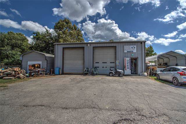 1005 E 13th Street, Okmulgee, OK 74447 (MLS #1932454) :: 918HomeTeam - KW Realty Preferred