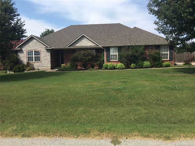 1901 Estates Drive, Grove, OK 74344 (MLS #1932944) :: Hopper Group at RE/MAX Results