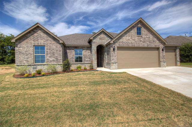 25204 Stonebridge Parkway, Claremore, OK 74019 (MLS #1933439) :: 918HomeTeam - KW Realty Preferred
