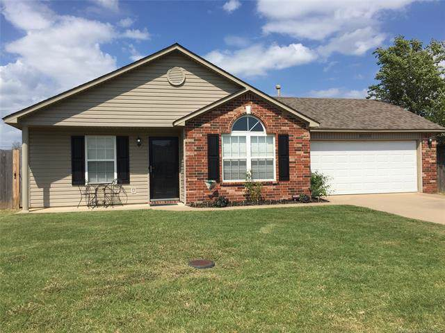12005 E 115th Place North, Collinsville, OK 74021 (MLS #1933447) :: Hopper Group at RE/MAX Results