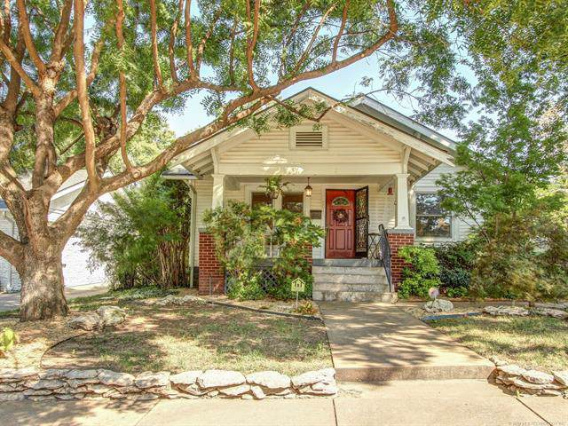 2011 E 14th Place, Tulsa, OK 74104 (MLS #1933449) :: Hopper Group at RE/MAX Results