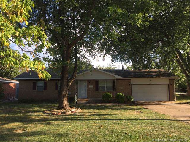737 W 4th Street, Skiatook, OK 74070 (MLS #1933503) :: Hopper Group at RE/MAX Results