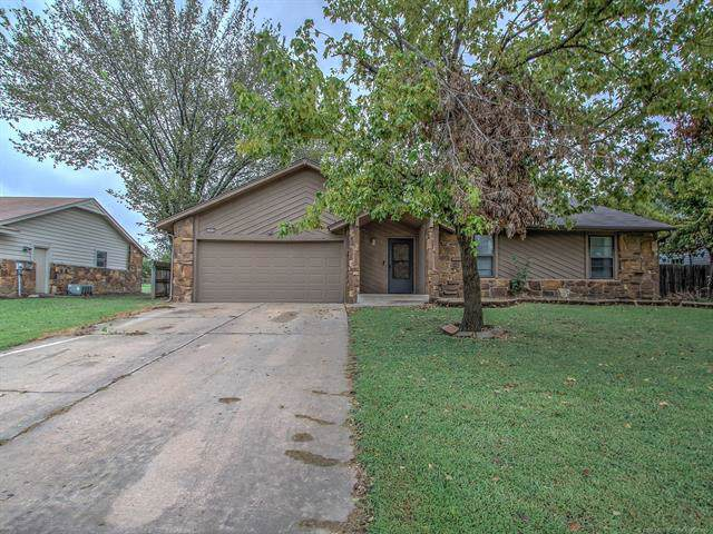 2959 W 112th Place S, Jenks, OK 74037 (MLS #1933577) :: Hopper Group at RE/MAX Results