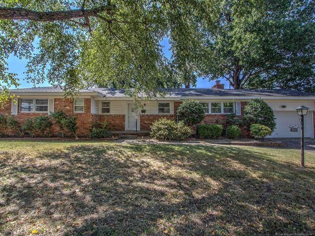 2420 E 54th Street, Tulsa, OK 74105 (MLS #1933618) :: 918HomeTeam - KW Realty Preferred