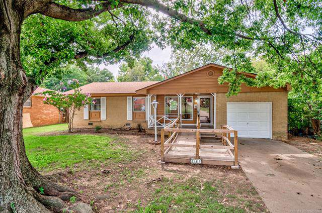 733 Yale Drive, Bartlesville, OK 74006 (MLS #1933659) :: Hopper Group at RE/MAX Results