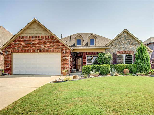 3715 S 13th Place, Broken Arrow, OK 74011 (MLS #1933745) :: Hopper Group at RE/MAX Results