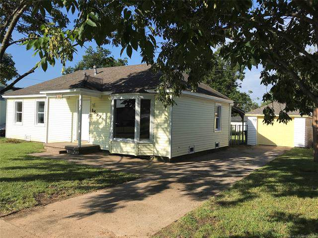 1527 S Hickory Avenue, Bartlesville, OK 74003 (MLS #1933885) :: Hopper Group at RE/MAX Results