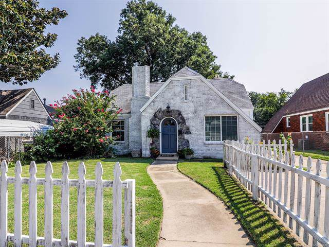2423 N Boston Place, Tulsa, OK 74106 (MLS #1933908) :: Hopper Group at RE/MAX Results