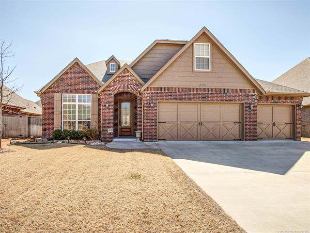 3309 W Knoxville Street, Broken Arrow, OK 74012 (MLS #1933957) :: Hopper Group at RE/MAX Results