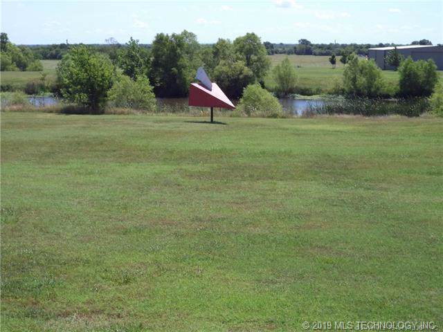 N 3988 Road, Collinsville, OK 74021 (MLS #1934495) :: Hopper Group at RE/MAX Results