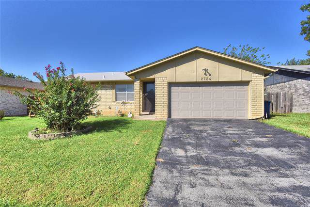 2724 S 136th East Place, Tulsa, OK 74134 (MLS #1934800) :: 918HomeTeam - KW Realty Preferred