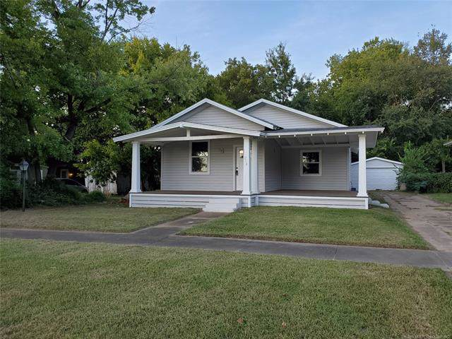 214 W 5th Street, Claremore, OK 74017 (MLS #1936056) :: Hopper Group at RE/MAX Results
