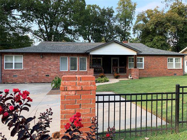 2623 E 36th Street, Tulsa, OK 74105 (MLS #1936261) :: 918HomeTeam - KW Realty Preferred