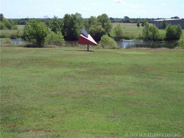 26 N 3985 Road, Collinsville, OK 74021 (MLS #1936306) :: Hopper Group at RE/MAX Results