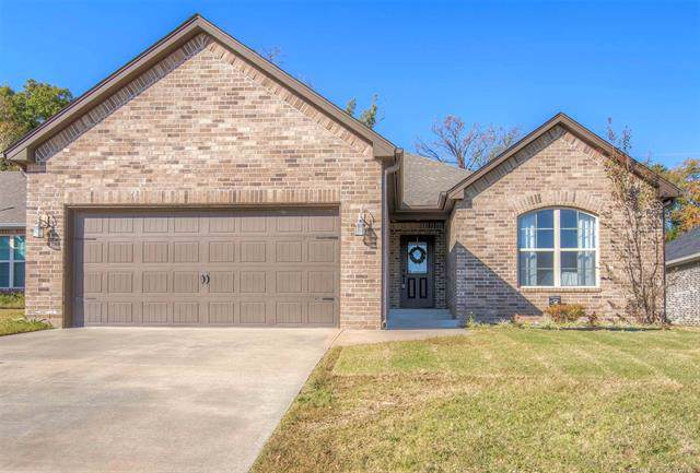 4612 S Linwood Drive, Sand Springs, OK 74063 (MLS #1937110) :: Hopper Group at RE/MAX Results