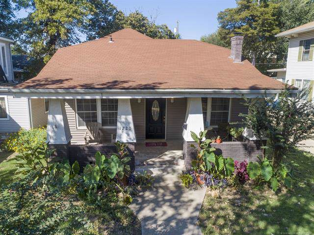 1220 S Indian Avenue, Tulsa, OK 74127 (MLS #1937534) :: 918HomeTeam - KW Realty Preferred