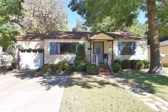 1627 E 45th Place, Tulsa, OK 74105 (MLS #1937652) :: 918HomeTeam - KW Realty Preferred