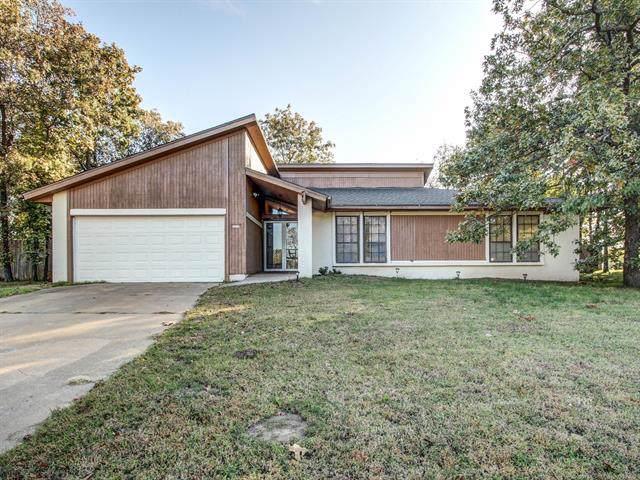 2317 N Union Place, Tulsa, OK 74127 (MLS #1937709) :: 918HomeTeam - KW Realty Preferred