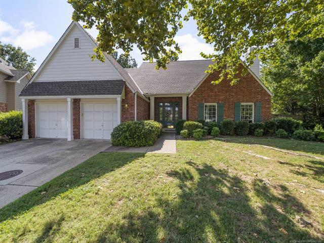 2804 E 44th Court, Tulsa, OK 74105 (MLS #1937796) :: 918HomeTeam - KW Realty Preferred