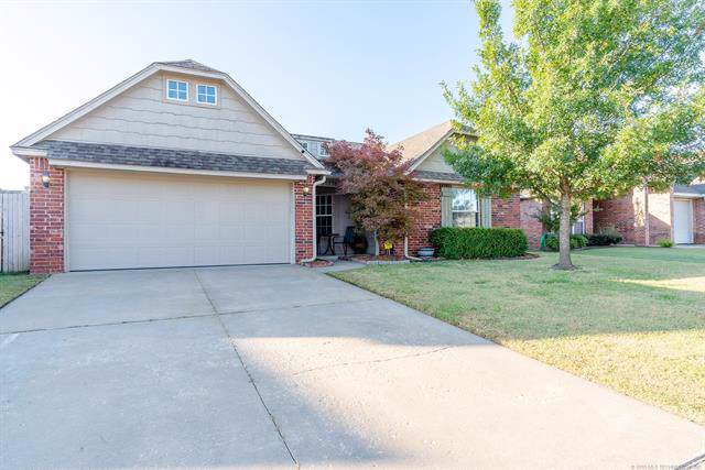 20276 E 32nd Place S, Broken Arrow, OK 74014 (MLS #1937807) :: 918HomeTeam - KW Realty Preferred
