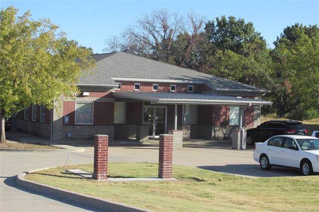 806 Lonnie Abbott Boulevard, Ada, OK 74820 (MLS #1937851) :: 918HomeTeam - KW Realty Preferred