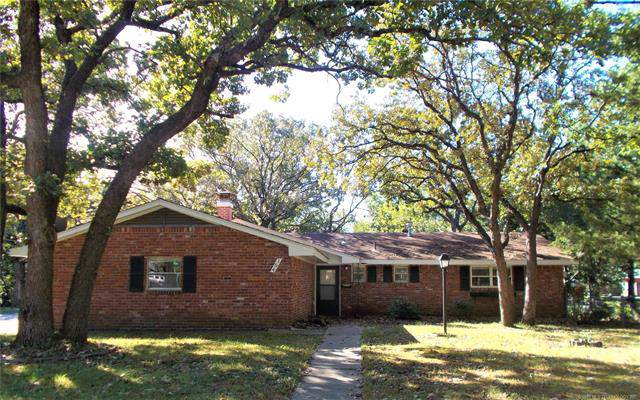 104 Laurel Place, Bartlesville, OK 74003 (MLS #1937956) :: Hopper Group at RE/MAX Results