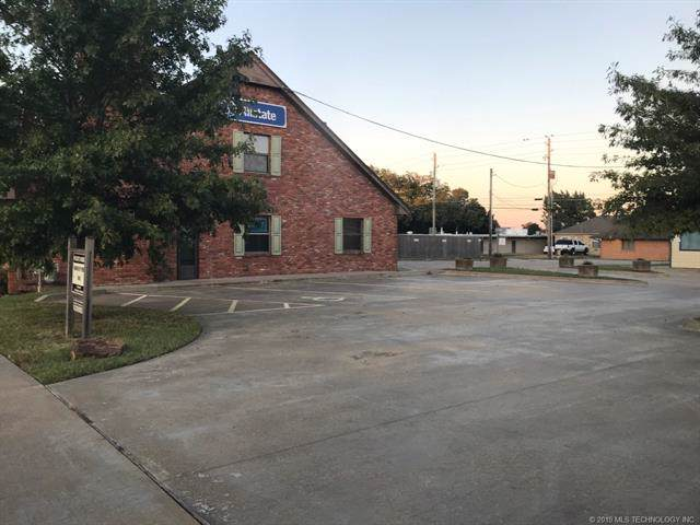 510 S Cherokee Avenue, Bartlesville, OK 74003 (MLS #1938237) :: Hopper Group at RE/MAX Results